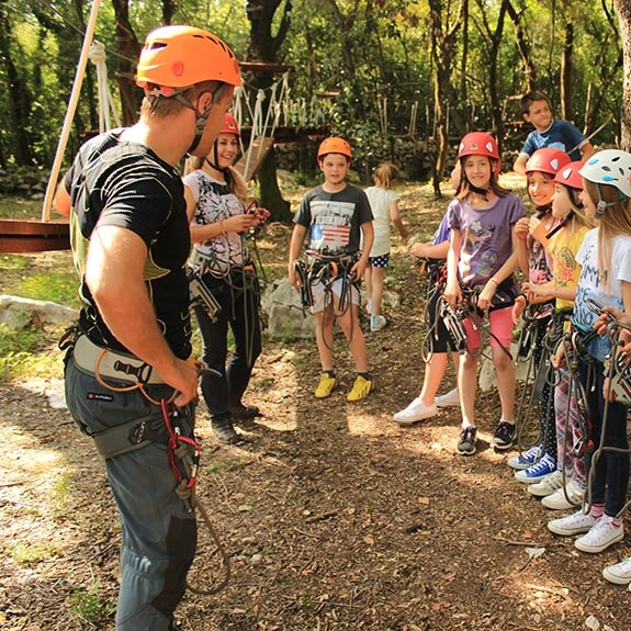 DUoutdoor Home Education Thumb